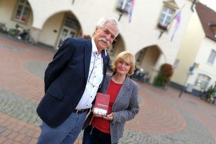 Eva Masthoff und Wolfgang Koehler freuen sich über den gelungenen Start ihres gemeinsamen Werkes.