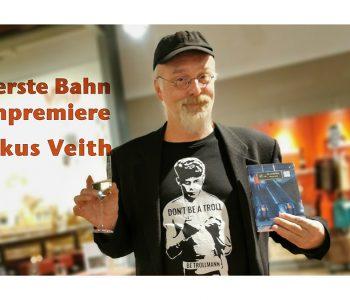 """Markus Veith vor der Buchbremiere mit seinem Buch """"Die erste Bahn"""""""